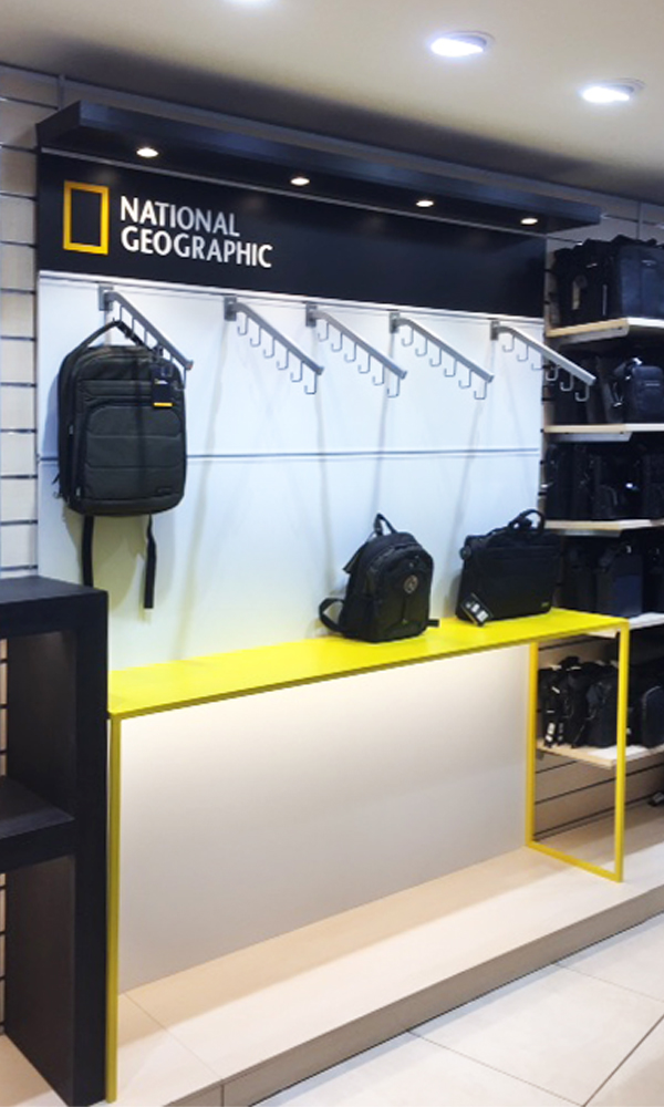 NATIONAL GEOGRAPHIC STAND